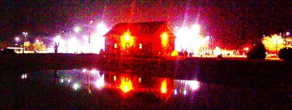 cropped-burning-night-house.jpg